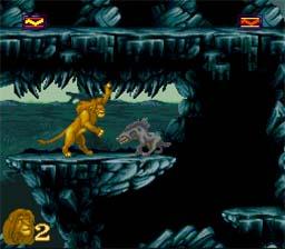 Simba adulte se bat avec une hyène dans le jeu Roi Lion sur Snes