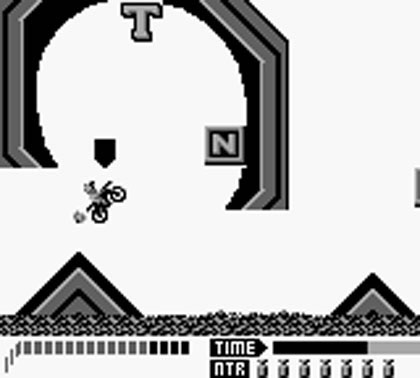Screenshot du jeu Motocross Maniacs sur game boy