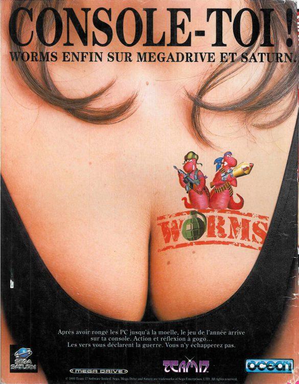 photo publicité avec décolleté et tatouage worms sur sein