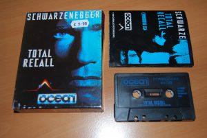 boite et cassette audio originale de la bande son du jeu vidéo Total Recall sur Commodore 64