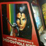 borne d'arcade sega system 18 avec le jeu michael jackson moonwalker