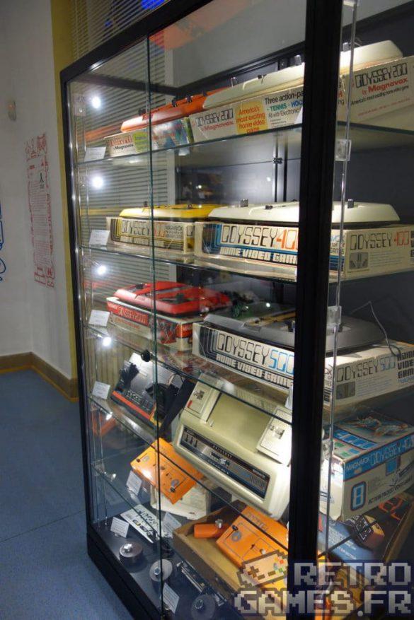 vitrine premieres consoles du monde magnavox odyssey 2000 pixel museum musée du jeu vidéo strasbourg