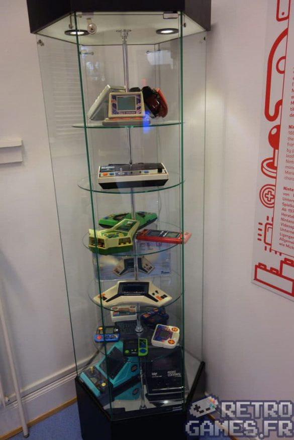 collection mini consoles game & watch pixel museum musée du jeu vidéo strasbourg