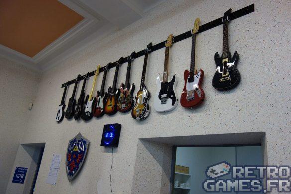 collection guitares guitar hero et rocksmith pixel museum musée du jeu vidéo strasbourg