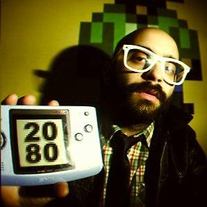 2080 le dj du chiptune avec sa console portable